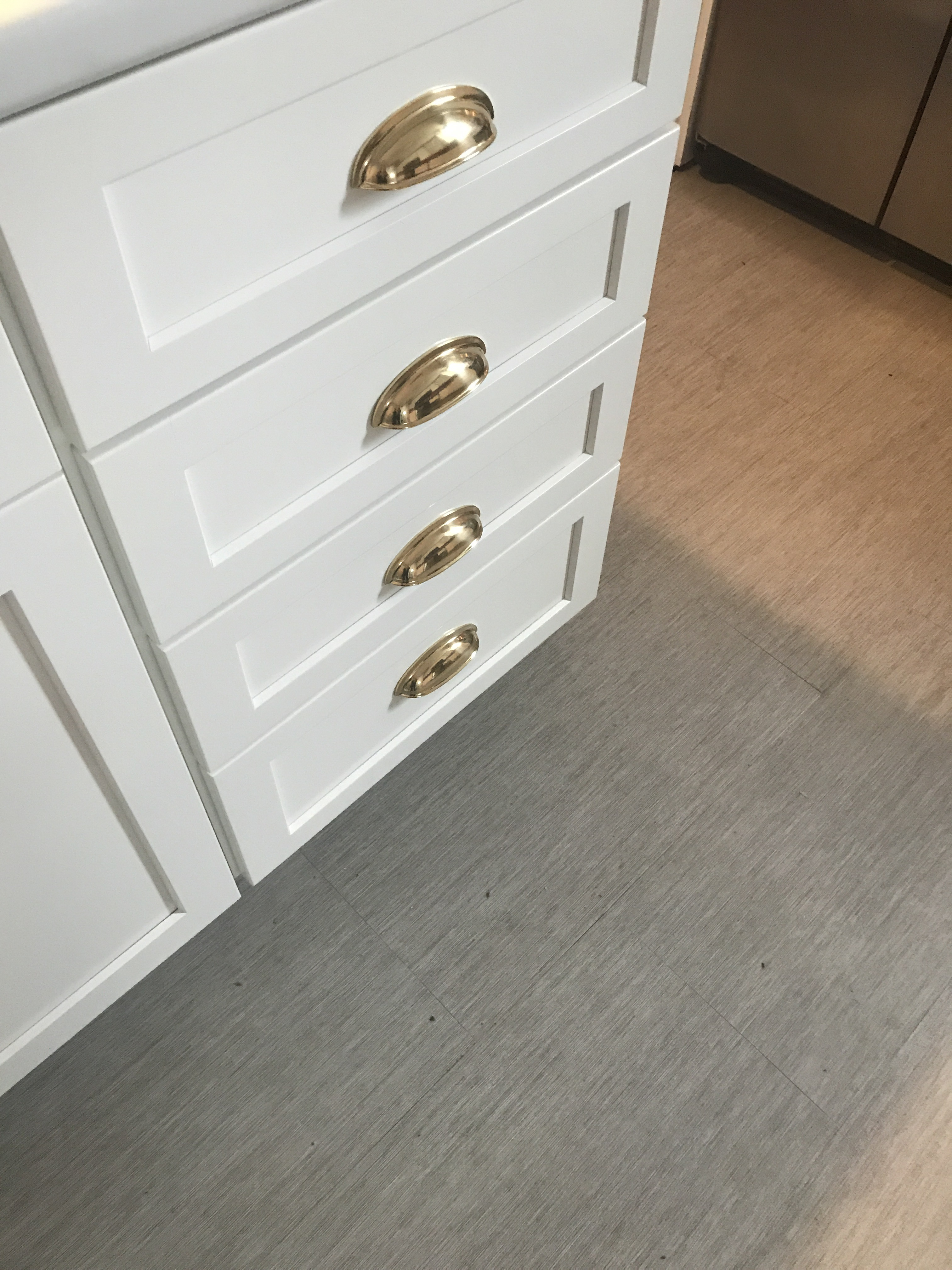 Posts Tagged U0027brass Hardware New Kitchen Shaker Cabinets Brass Pulls White  Kitchenu0027